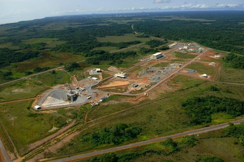 Vue de l'ensemble de lancement Soyouz au CSG - Crédits CNES/ESA/BAUDON Philippe, 2008